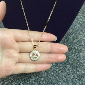 "New 18K gold "" Z "" letter necklace"